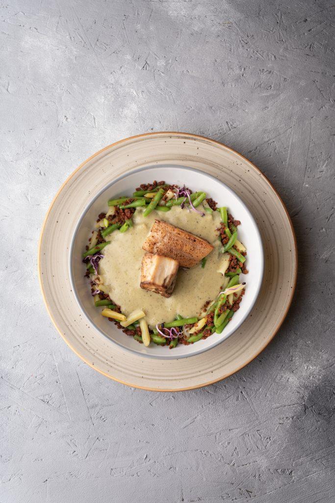 Zöldbab főzelék minimal designal felülről fotózva